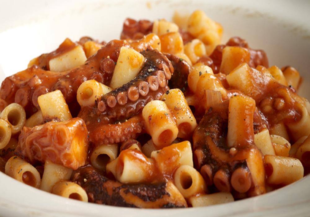 octopus aux macaroni